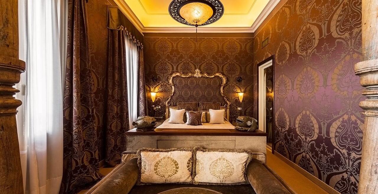 Una suite di lusso dell'Hotel Metropole a Venezia.