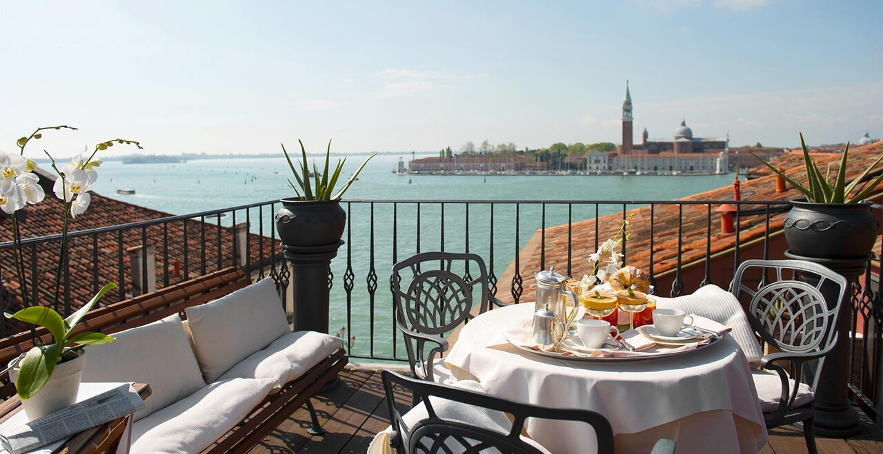 La suite con vista su Venezia dell'Hotel Metropole.