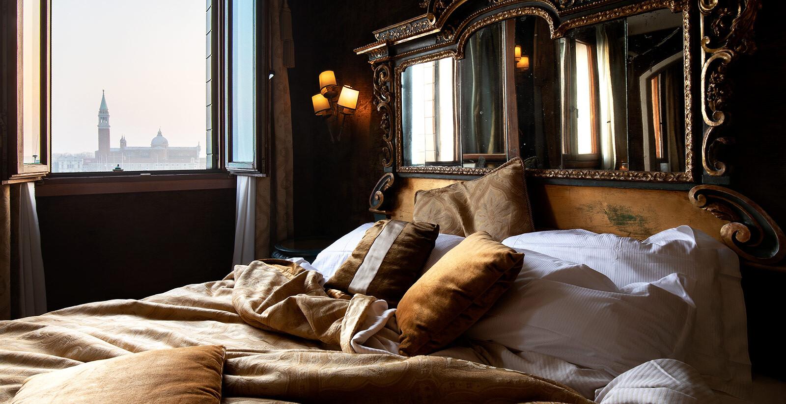 Suite tipica veneziana dell'Hotel Metropole.