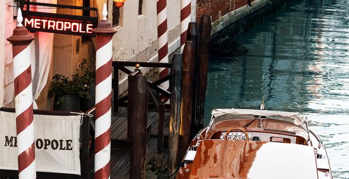 Il taxi privato transfer a Venezia dell'Hotel Metropole.
