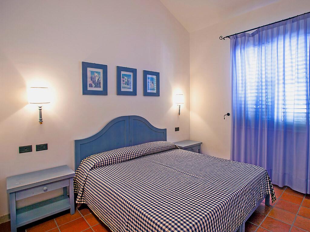 Three bedroom apart.